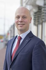 K.J.  Schulting (partner) (Directeur)