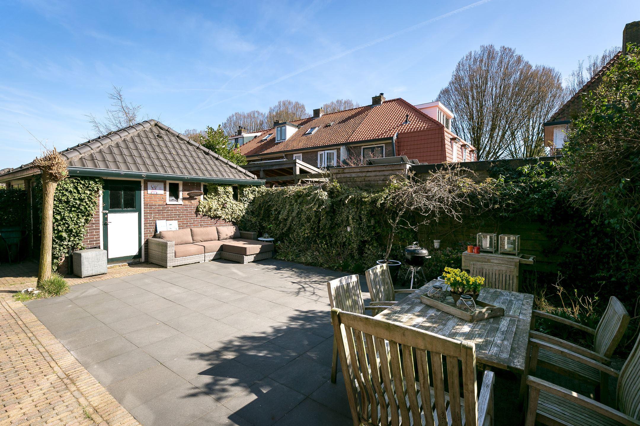 Huis te koop johannes geradtsweg 59 1222 pm hilversum funda for Huis hilversum