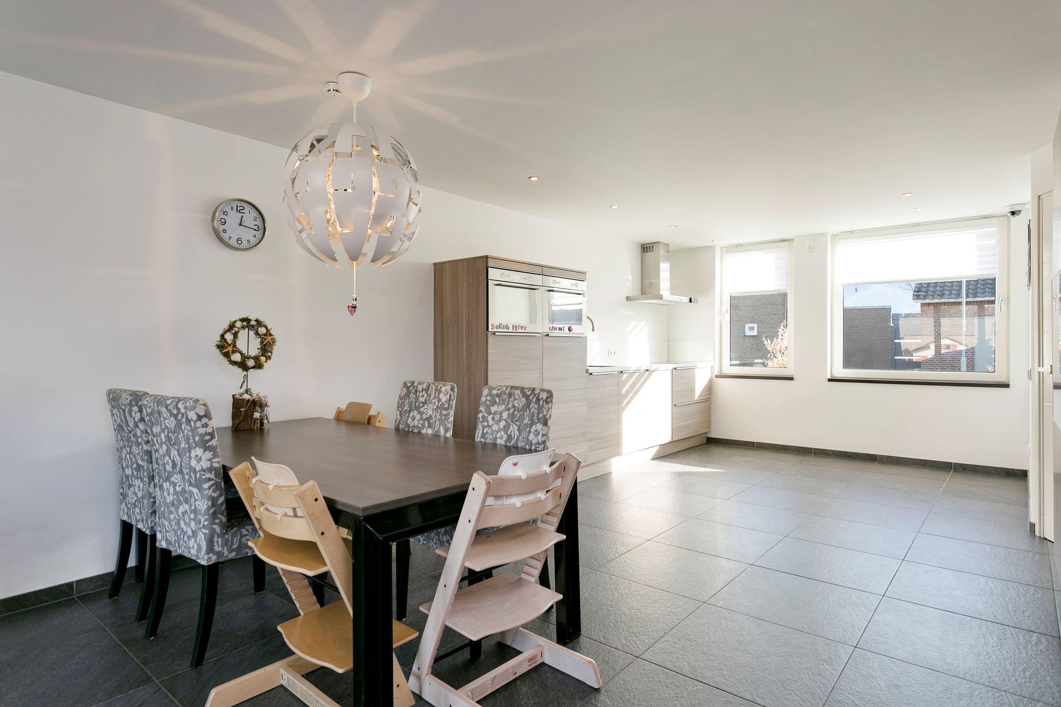 Eetkamer Van Oranje : ≥ a eetkamer stoelen stoel vintage stoelen marktplaats