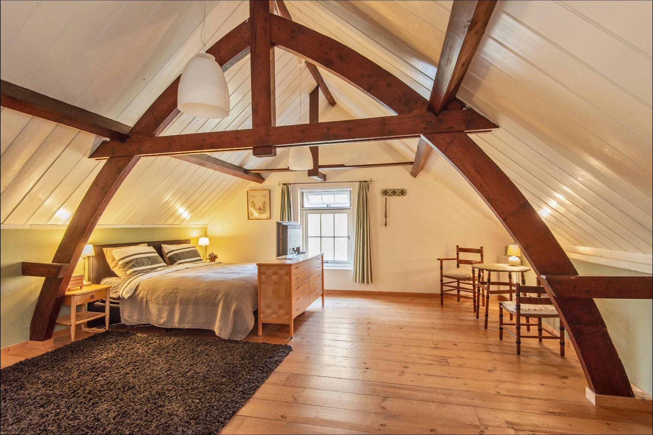 12x Vliering Inspiratie : Halve vliering interior railing t bedroom attic and attic