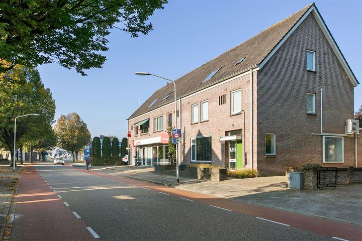 Stationsstraat 120, Deurne