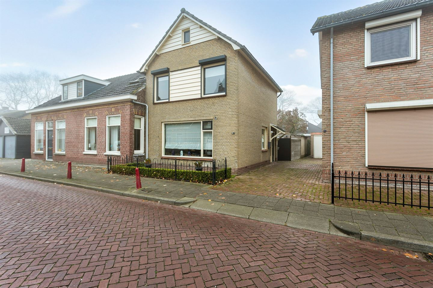 View photo 1 of Kloosterstraat 3 a