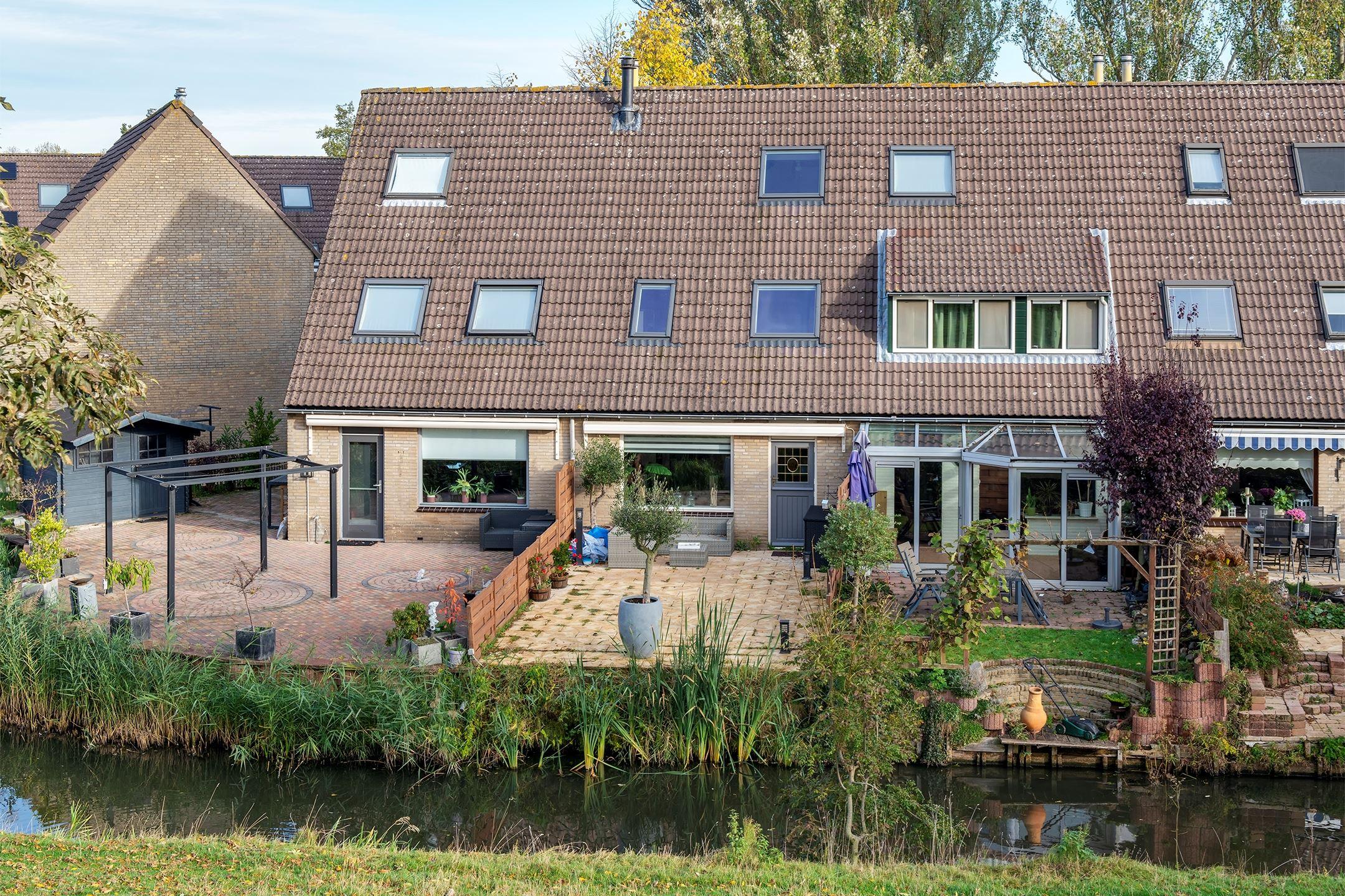 Huis Te Koop Zilverschoon 11 3191 Pj Hoogvliet Rotterdam Funda