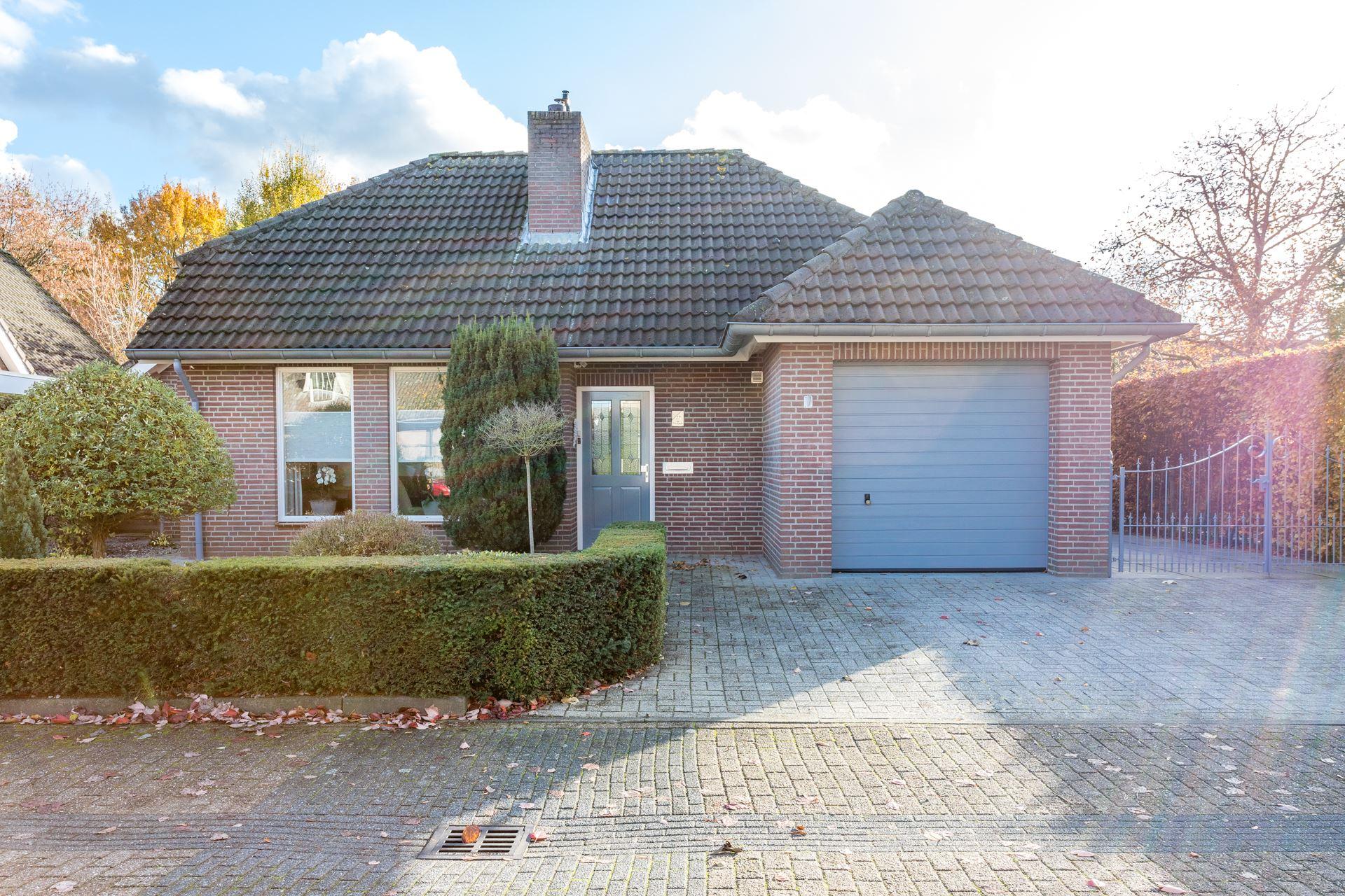 Garage Van Vlijmen : Verkocht idsteinlaan bk vlijmen funda