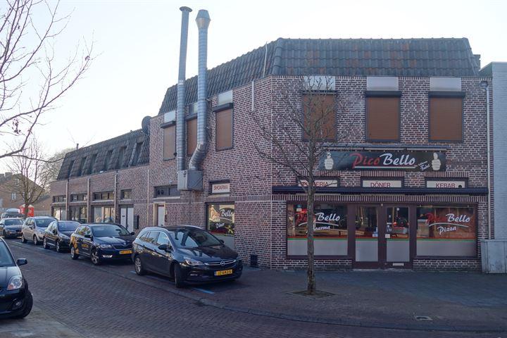 Willem de Zwijgerstraat 2-8, Budel