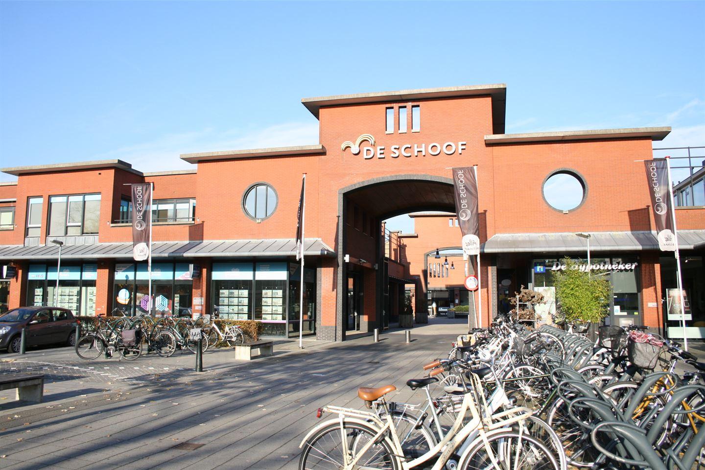 Bekijk foto 2 van Winkelcentrum De Schoof 178 .