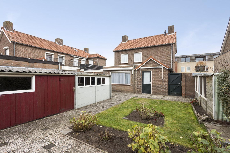 Bekijk foto 6 van Van Berghenstraat 19