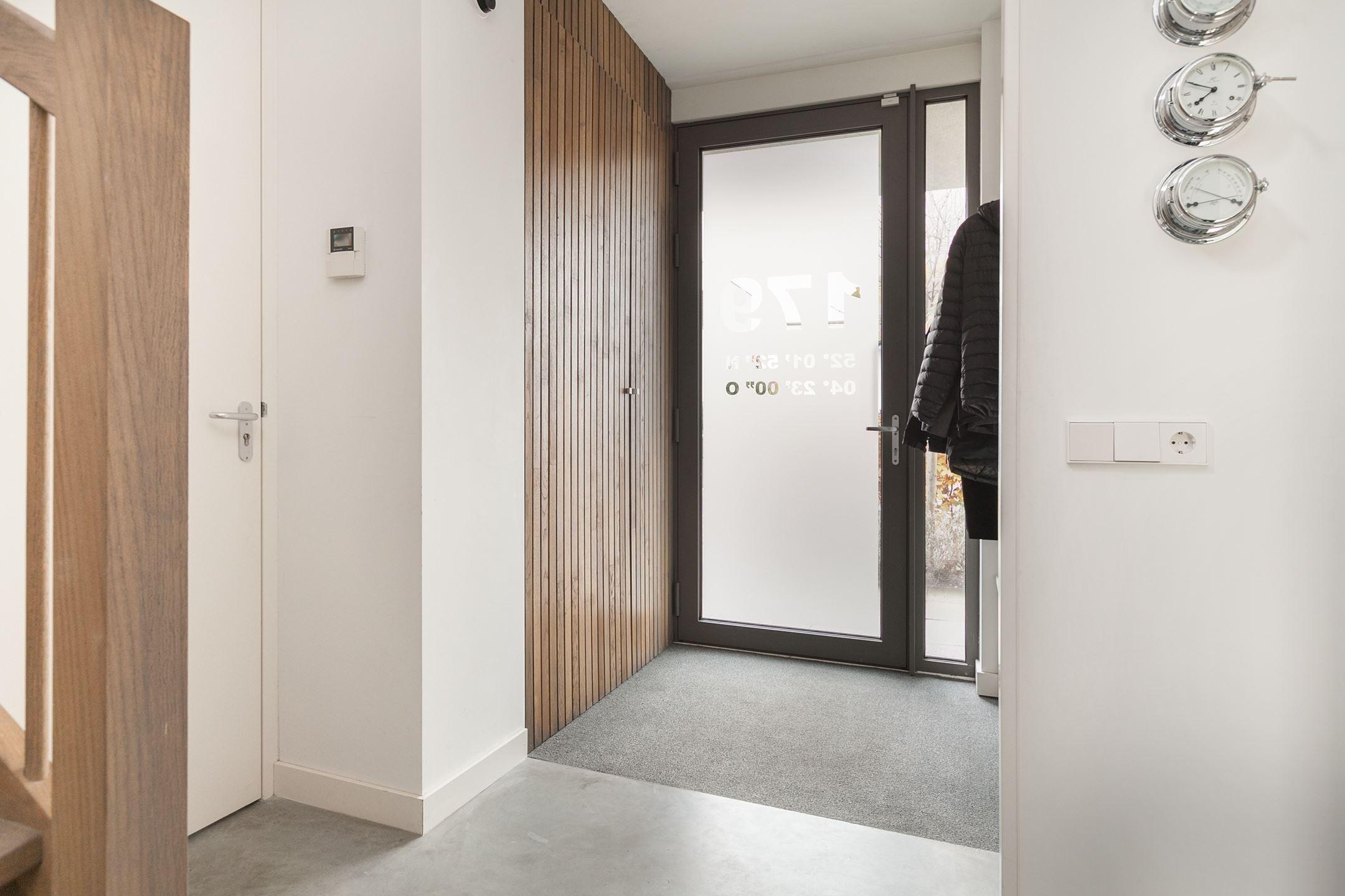 Gele Keuken 8 : Minimalistische moderne keuken met gezond ontbijt woonkamer en