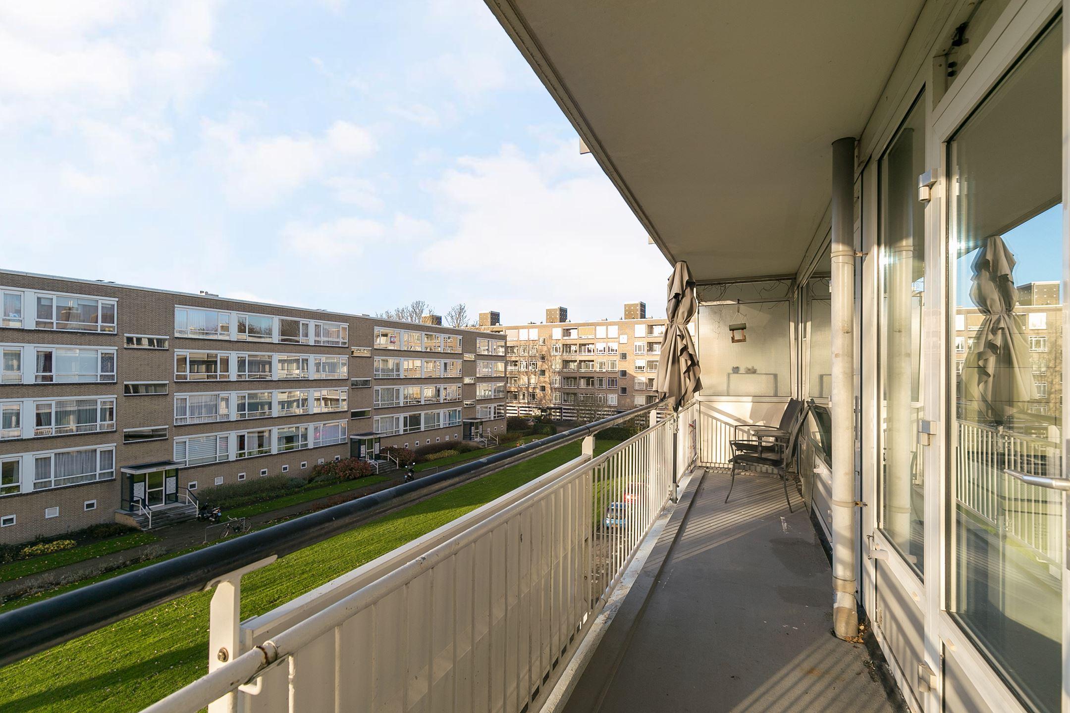 Appartement te koop parelmoerhorst 79 2592 sc den haag for Funda den haag koop