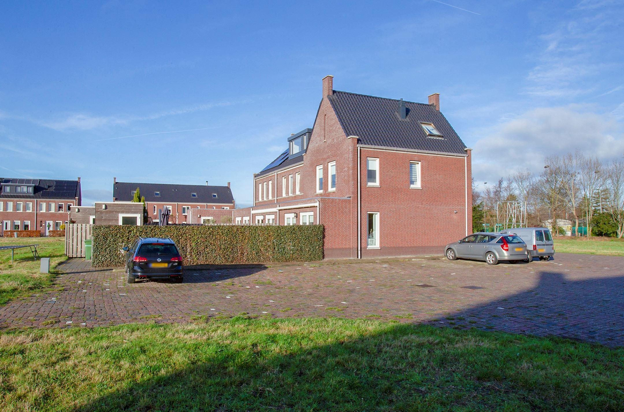 Bijna Perfect Huis : Huis te koop de hoop hw krimpen aan de lek funda