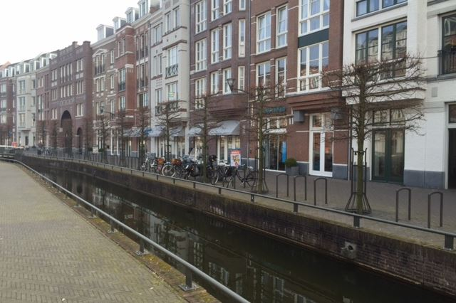 Bekijk foto 3 van Winkelcentrum Brandevoort