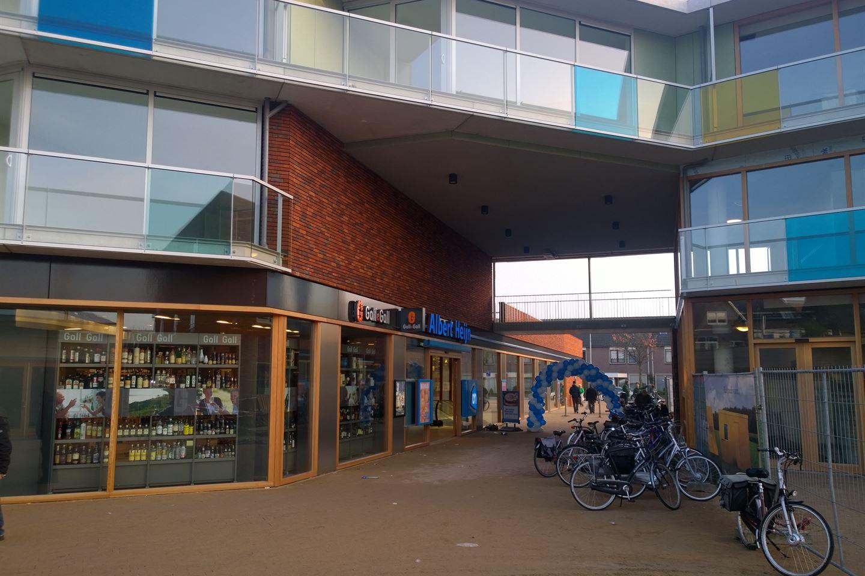 Bekijk foto 3 van Winkelcentrum Haagdijk
