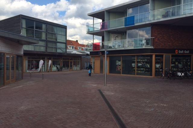Bekijk foto 4 van Winkelcentrum Haagdijk