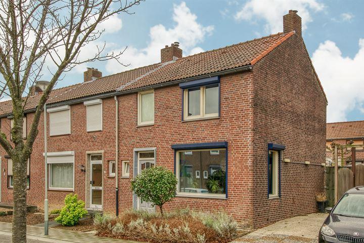 Beatrixstraat 12