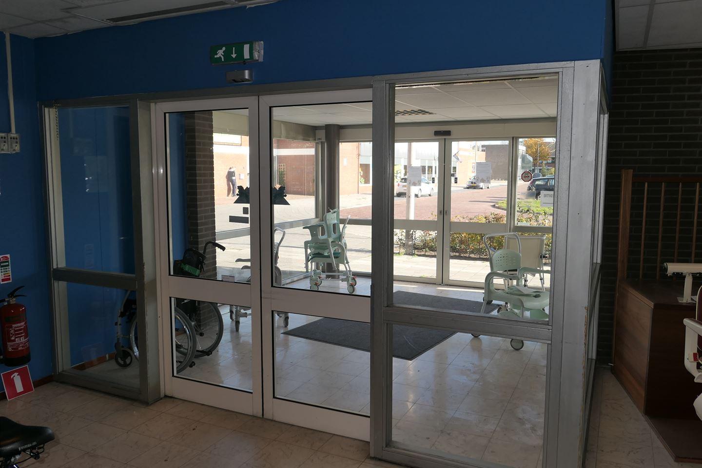 Bekijk foto 3 van Beukemaplein 8