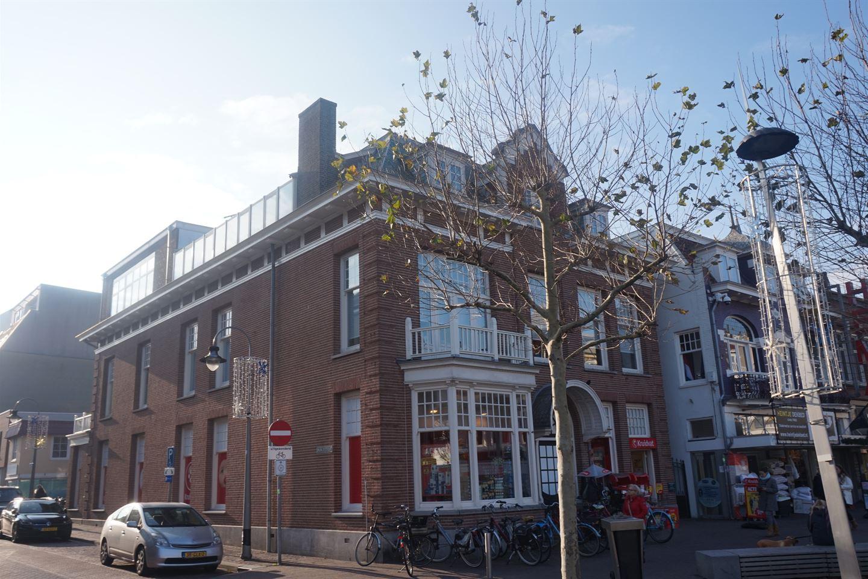 Bekijk foto 1 van Raadhuisplein 4