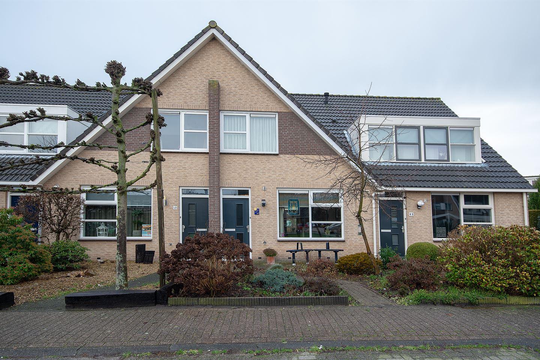View photo 1 of Megenstraat 47