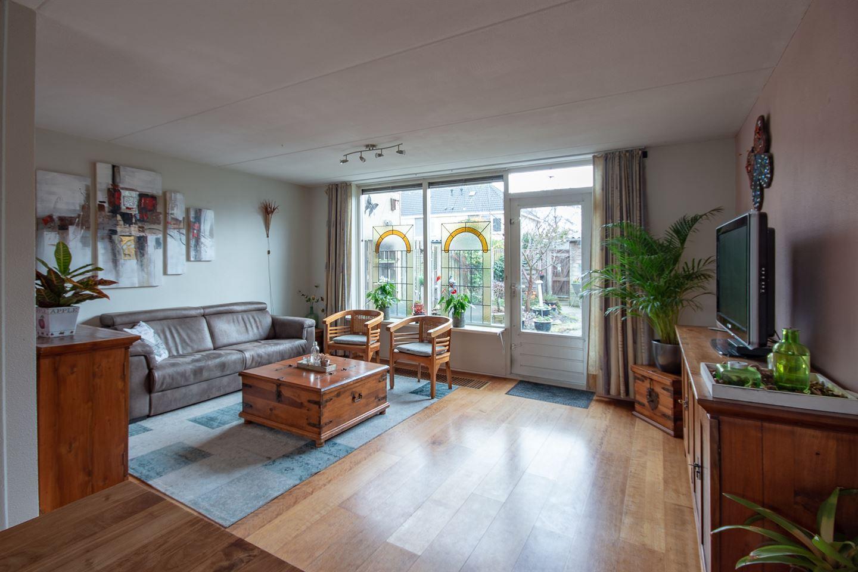 View photo 5 of Megenstraat 47