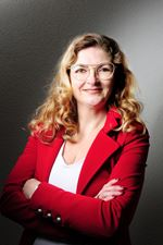 Kirsten Mac Donald - Mooij (Candidate real estate agent)
