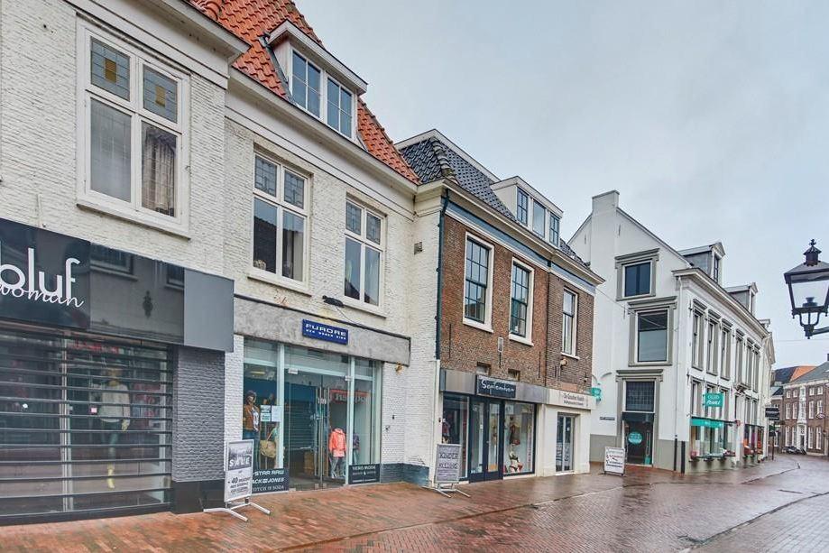 Bekijk foto 2 van Donkerstraat 23