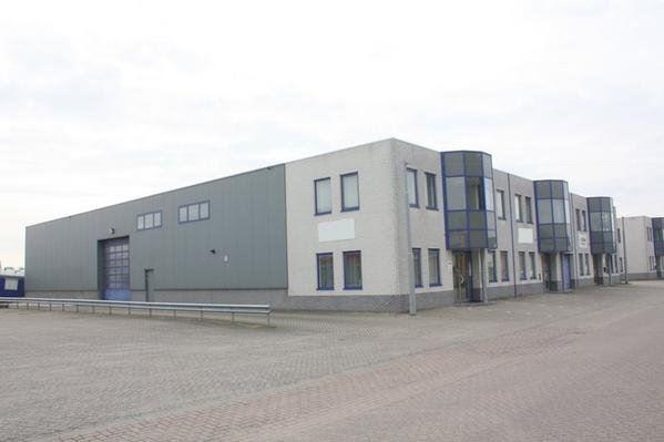 Bekijk foto 2 van Industrieweg 4 A + 4 B
