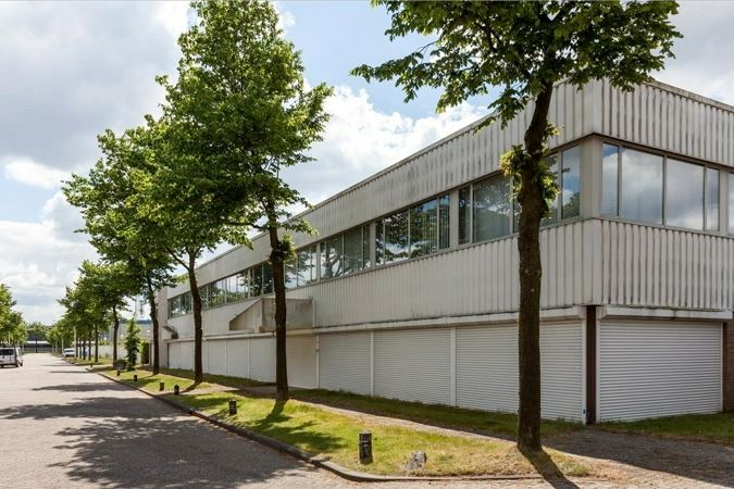 Bekijk foto 4 van Simon de Cockstraat 15 .