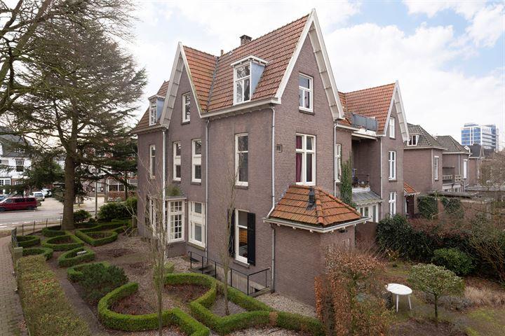 Van der Duyn van Maasdamlaan 1