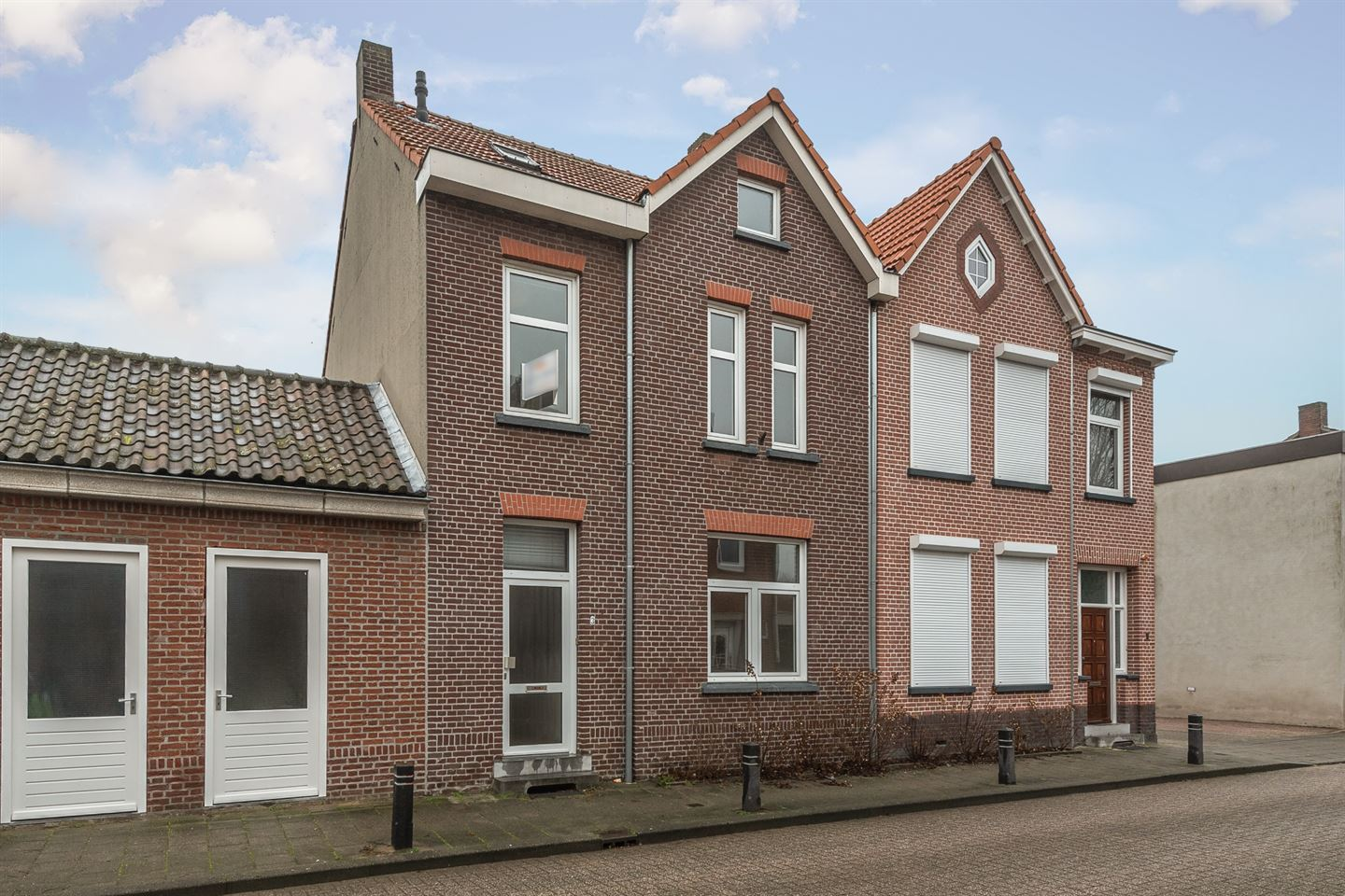 View photo 1 of van Laerstraat 3