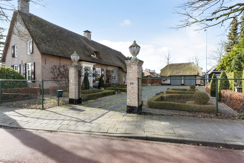 Bekijk foto 4 van Heerma van Vossstraat 20