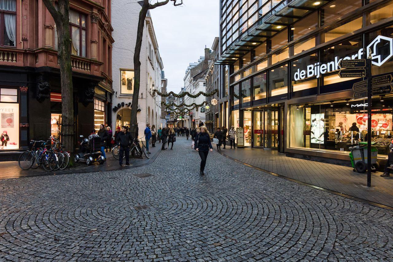 Bekijk foto 2 van Maastrichter Smedenstraat 7