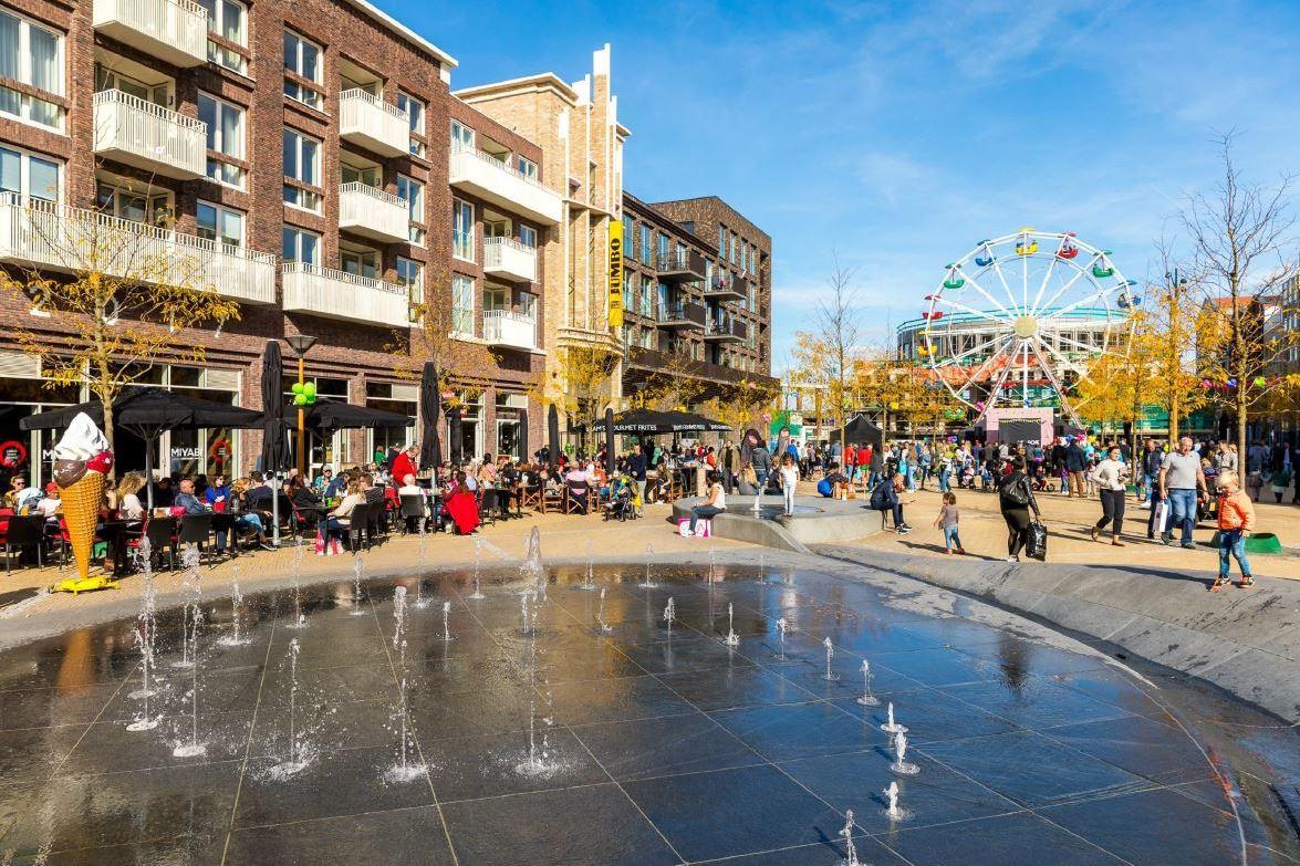 Bekijk foto 1 van Leidsche Rijn Centrum
