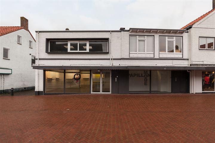 Burgemeester Erasmusstraat 1, Oostburg