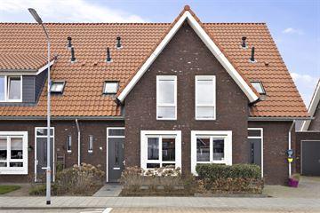 Dominee C van den Bergstraat 16
