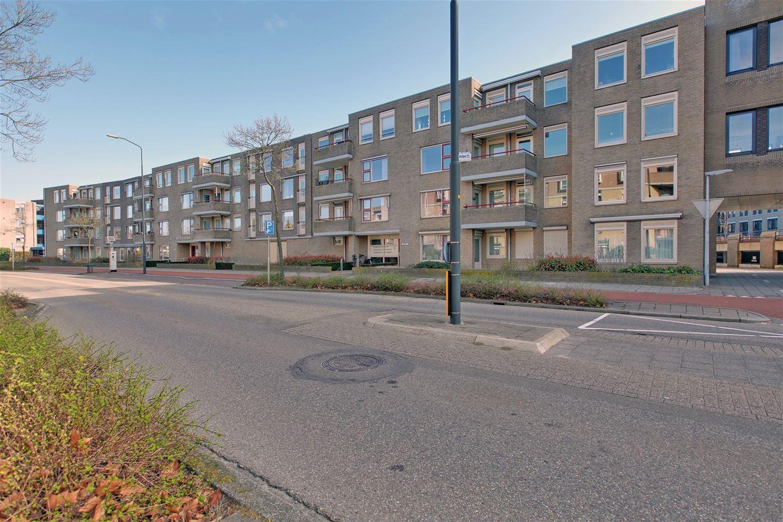 Bekijk foto 2 van Wilhelmina Druckerstraat 359