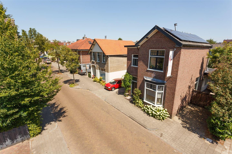 Bekijk foto 4 van De Ruyterstraat 104