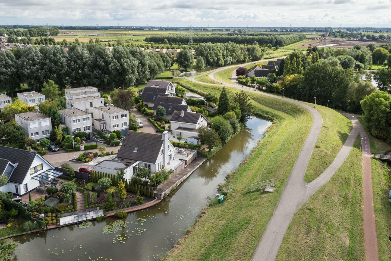 Bekijk foto 2 van Willemijn Posthumusstraat 9