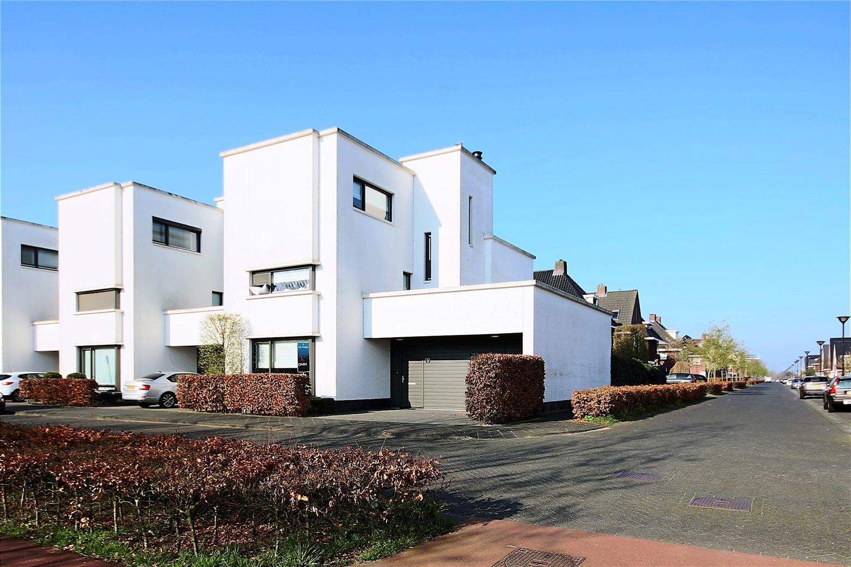 Bekijk foto 1 van Vreeswijkstraat 19