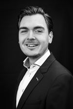 Herman van den Berg (Real estate agent assistant)