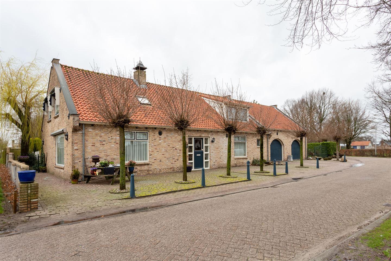 View photo 1 of Breedstraat 6