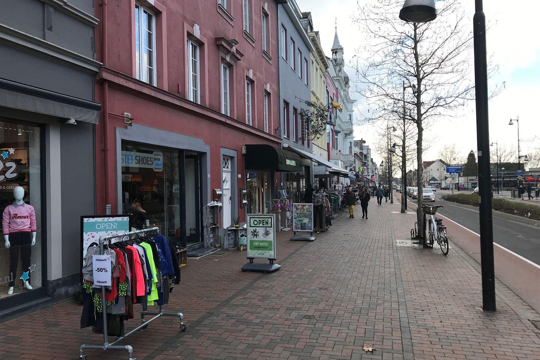 Bekijk foto 3 van Maastrichterlaan 42