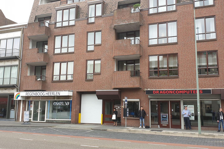 Bekijk foto 2 van Akerstraat 52