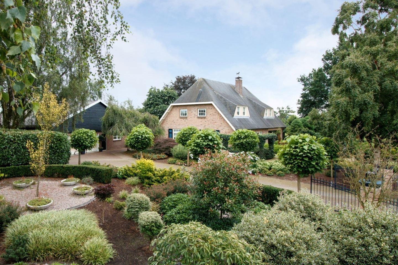 Bekijk foto 2 van Lagestraat 37