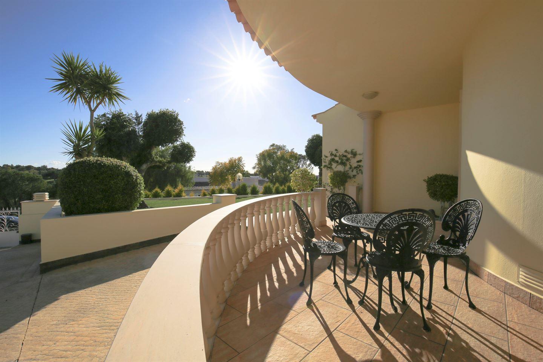 Bekijk foto 4 van Fantastische villa met 5 slaapkamers dicht bij Ferragudo en Carvoeiro