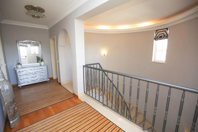 Bekijk foto 5 van Fantastische villa met 5 slaapkamers dicht bij Ferragudo en Carvoeiro