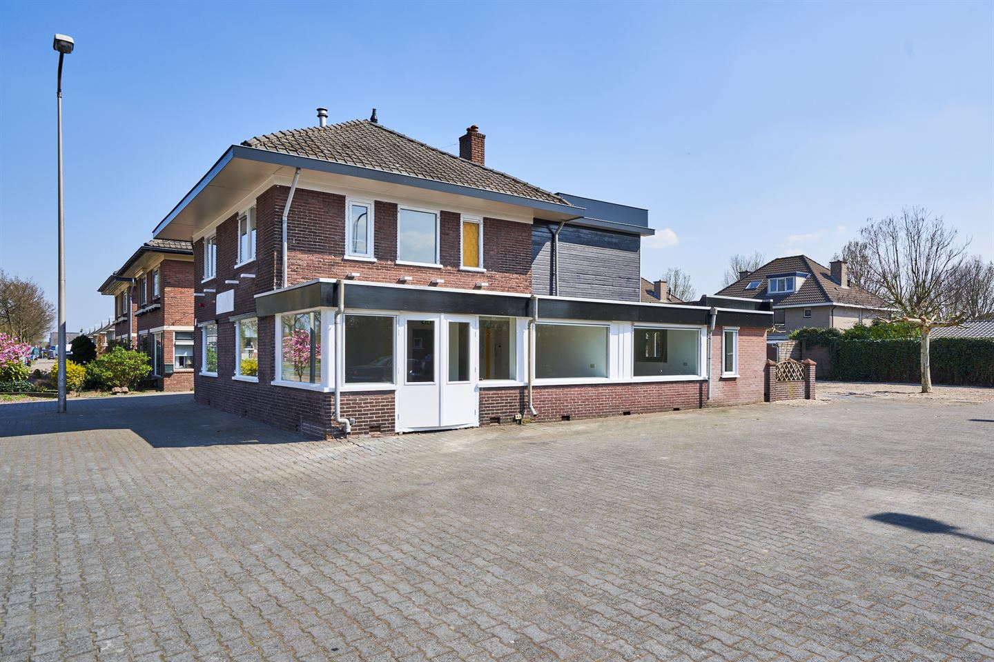 View photo 2 of Deventerstraat 218