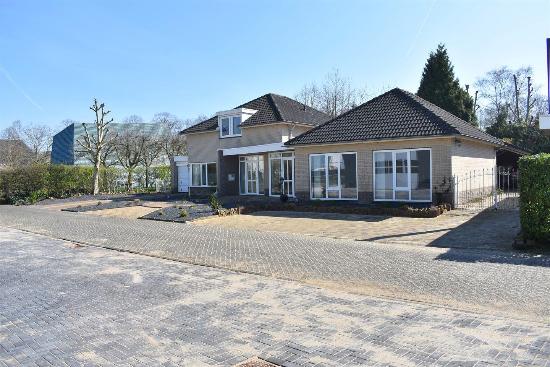 Bekijk foto 3 van Rijksweg 35 e