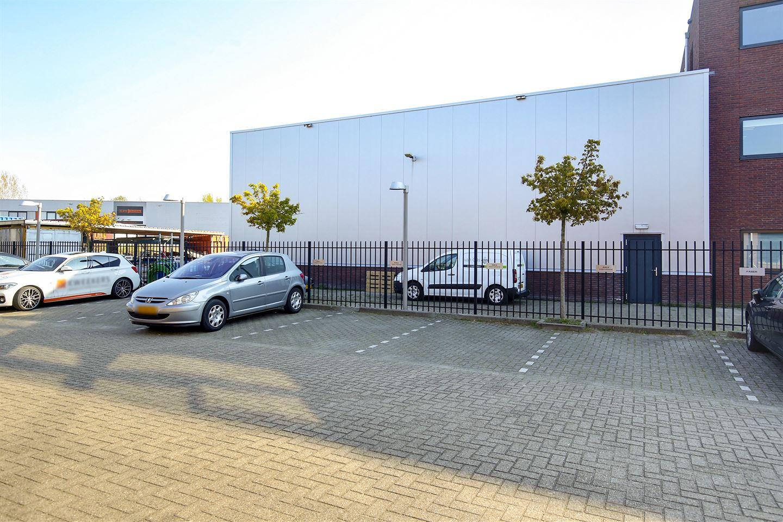 Bekijk foto 3 van Bredaseweg 65