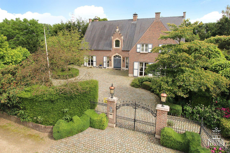 Bekijk foto 1 van Maastrichtersteenweg 60