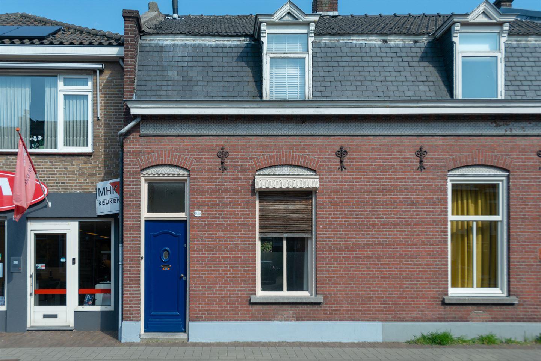 Bekijk foto 1 van Bisschop Zwijsenstraat 84