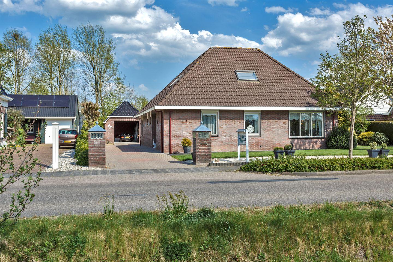 Bekijk foto 1 van Lutjegasterweg 42